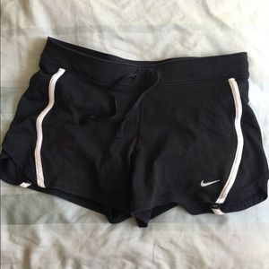 NIKE FIT SHORTS SMALL BLACK